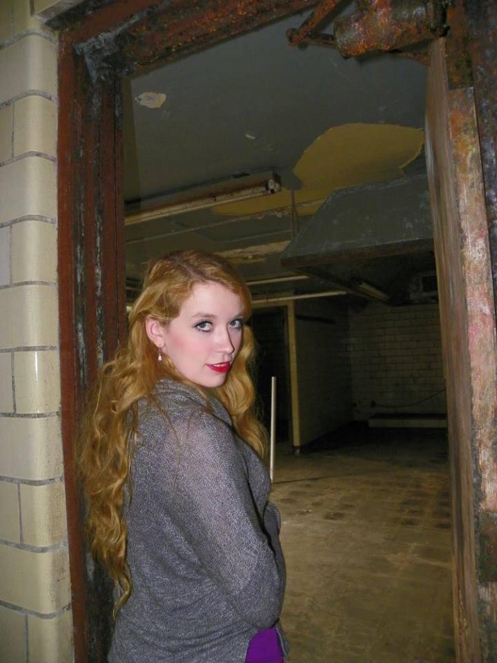 Psychic Medium Stephanie Bingham from School Spirits